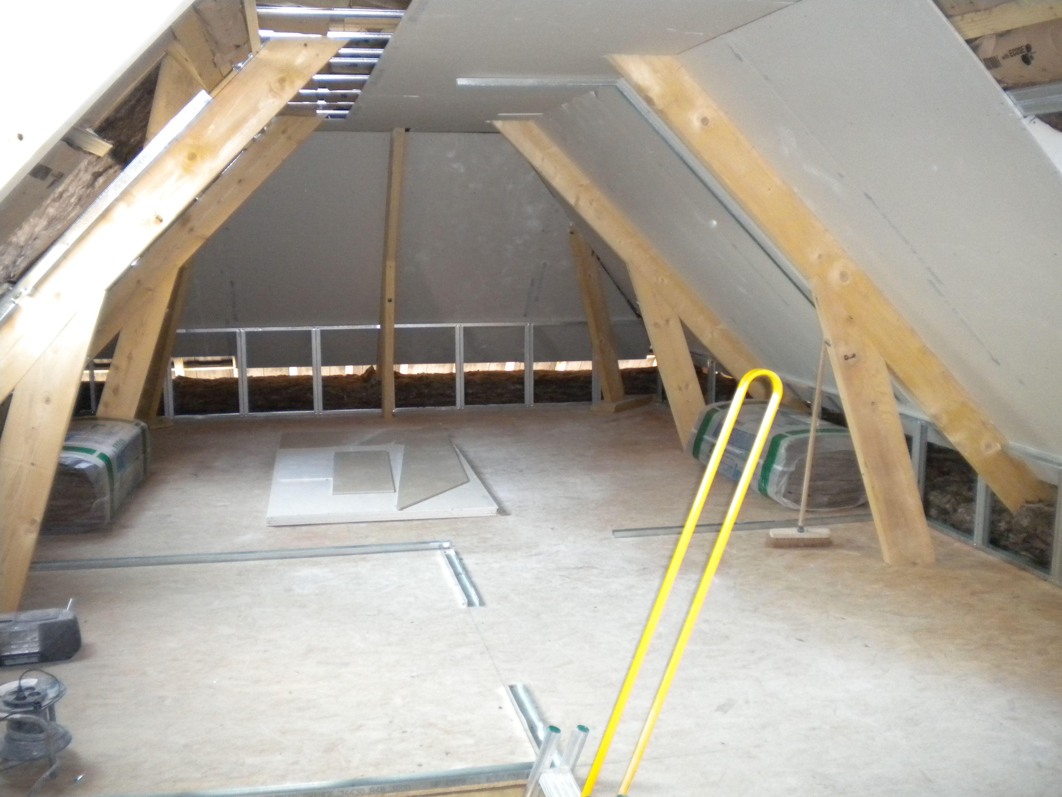Comment poser du placo dans des combles maison design for Pose de rail placo dans les combles